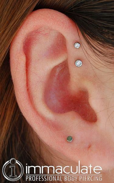 immaculatepiercing:  Double Forward Helix with NeoMetal Titanium Body Jewelry, 2mm and 2.5mm CZ gem ends. Immaculate Body Piercing  Columbia, SC http://www.immaculatepiercing.com http://www.facebook.com/pages/immaculate-body-piercing/24498093535