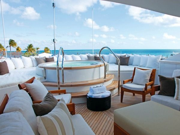 Charter Yacht COCKTAILS