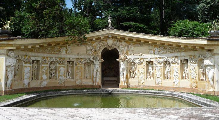 Palladio, Villa Barbaro a Maser. Veduta del Ninfeo.  Dottrina dell'Architettura