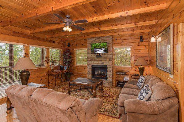 Howlin In The Smokies Luxury 2 Bedroom Pigeon Forge Cabin Rental Cabin Rentals Pigeon Forge Cabin Rentals Cabin