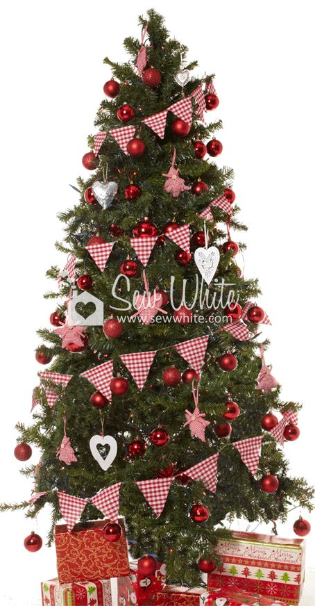 Advent Calendar Day 5 – Christmas Bunting   Sew White