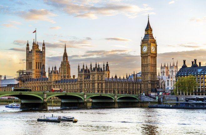 Parlamento y Big Ben de #Londres. Soñando con otros lugares: los 101 monumentos más famosos del mundo #viajes #travel #ReinoUnido