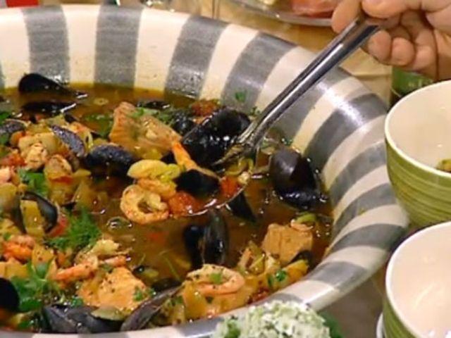 Fiskgryta med tomat, saffran, fänkål och aioli (kock Markus Aujalay)
