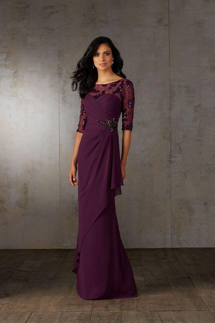 Długa suknia dla mam, z rękawem 3/4. Wieczorowa suknia Mori Lee. Marszczenie w talii, tuszuje niedoskonałości, natomiast drapowanie przy biuście, …