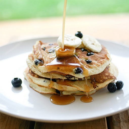 Blueberries and Ricotta Hotcakes with Maple Butter Syrup...yummm