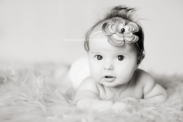Photographing tips for baby's first year, divided into months
