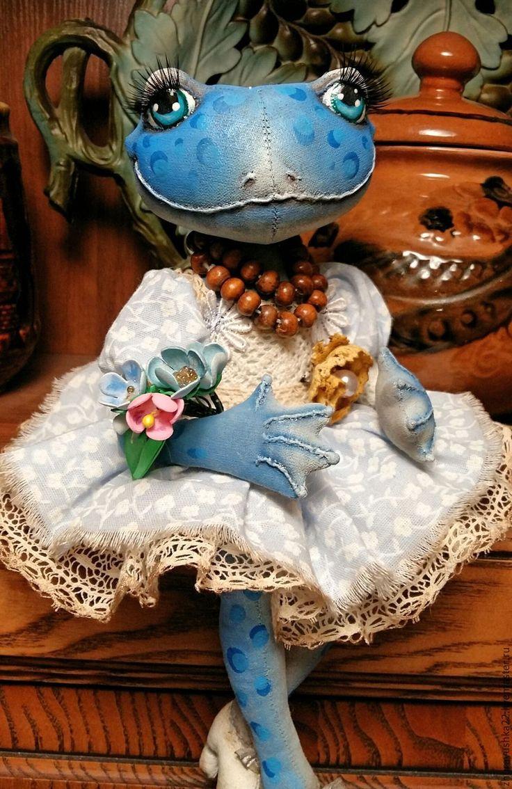 Купить Голубая лягушка. Текстильная кукла. - голубой, лягушка, коллекционная кукла, интерьерная кукла