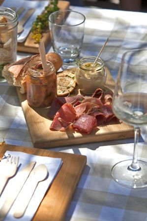 Riverside Picnics @ Delheim Wine Estate - 1st October 2017! Brimming with all things homemade and share-worthy, your basket of epicurean bliss costs R460 per couple.