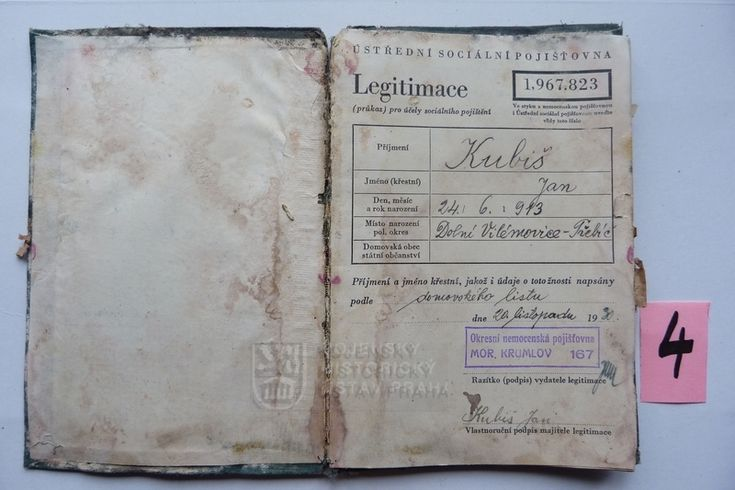 Social insurance card for Jan Kubiš that was found in his home during restoration.