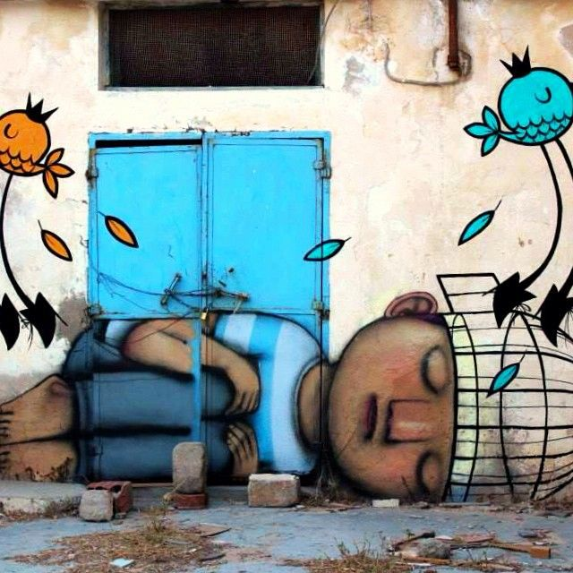 à #Djerba, superbe peinture murale, fruit de la collaboration entre le français @seth_globepainter et l'argentin @holapumpum