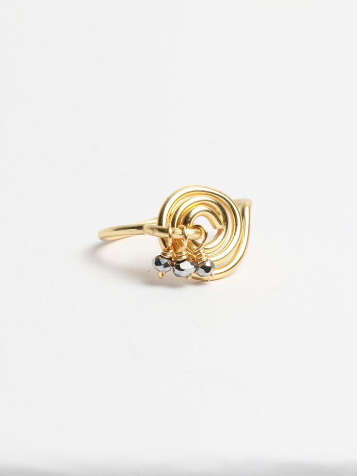 Anillo Espiral   Basics Anillo sencillo de espiral en cobre con jingles de piedritas