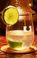 Ti' punch (rhum blanc, sirop de sucre de canne,  citron vert)