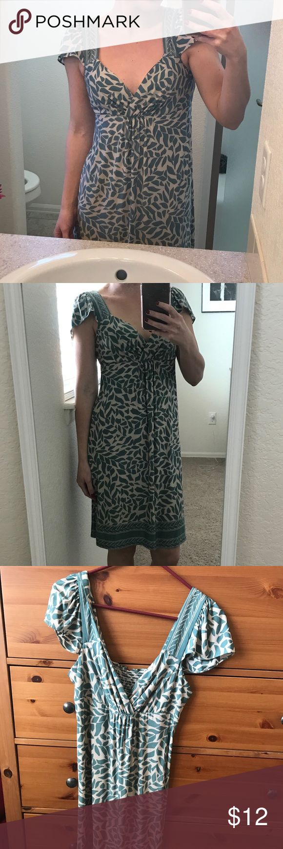Beautiful Spring dress Beautiful teal green & cream spring dress. Adorable on! Size small, forever 21. Forever 21 Dresses