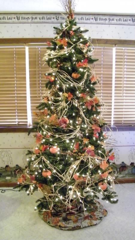 Thanksgiving tree holiday seasonal decorating