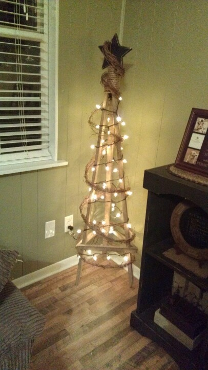 Primitive Christmas Tree Garland