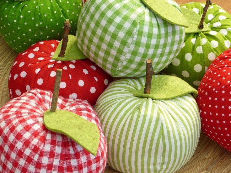 Ein süßer Deko-Apfel von susannes-kreative-seite auf DaWanda.com