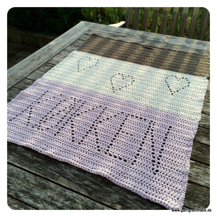 Hæklet håndklæde til køkkenet - sæt i gang :) Crochet stuff for the kitchen.
