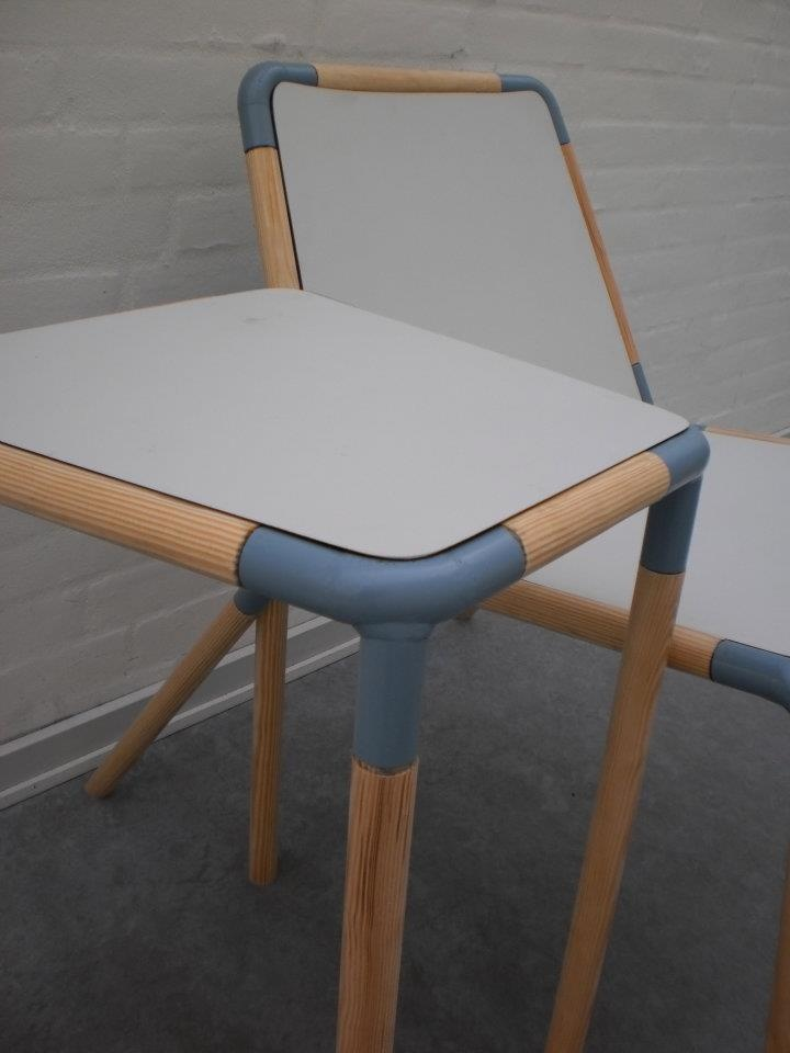 JOIN - set of a chair and sidetable. By Camilla Engholm Poulsen and Pernille Rask