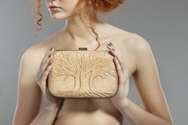 Śliczna kopertówka z drewna :) #moda #fashion #torebka #kopertówka #bag #drewnianakopertówka