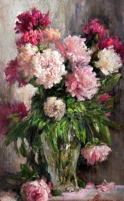 Картинки по запросу розовые пионы в вазе