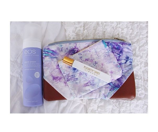 Meghan Rosette's Spring Essentials include this adorable fair trade Della Los Angeles travel bag! http://instagram.com/p/mAqHt1yOY7/ #gracesway