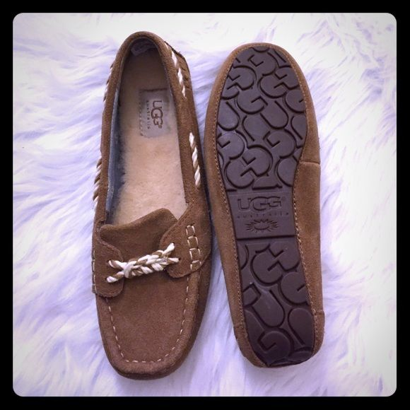 🆕 Ugg Genoa boat moccasin slip on flats NO TRADES. PLEASE USE OFFER BUTTON. NEW WOMEN UGG AUSTRALIA GENOA MOCCASIN SLIPPER SHOES SIZES: US 8 ~ EU 39 ~ UK 6.5 ~ JAPAN 25 COLOR: SUEDE CHESTNUT BROWN Nautical inspired versatile slipper with rope lacing and cozy foot-bed lined with sheepskin fur. Genuine pure sheepskin that naturally wicks away moisture and helps keep feet dry, warm & cozy. EVA molded rubber out-sole provides durable traction. Suede upper Decorative stitching Super comfy……