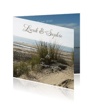 Huwelijksuitnodigingen en trouwkaarten met zee en strand. Een prachtige kaart voor uw huwelijk.