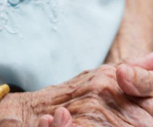 Lorraine Bayless, 87, Dies After Nurse Refuses to do CPR (Video) http://www.opposingviews.com/i/health/health-care/lorraine-bayless-87-dies-after-nurse-refuses-do-cpr-video  Health care in America in 2013, sounds like 1813
