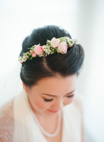 Pretty rose floral crown. Photography: Angga Permana Photo - www.anggapermanaphoto.com/