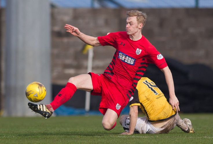 Queen's Park's Ross Millen in action during the Ladbrokes League One game between East Fife and Queen's Park.