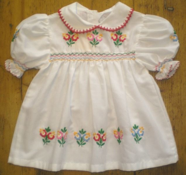 Hungarian dress for children.