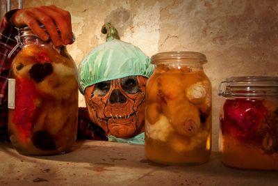Eindrucksvolle Halloween Dekoration: Der Friedhof der Kuscheltiere - Halloween.de - Halloween.de