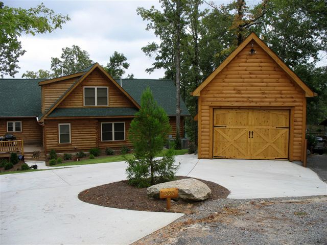 Jocassee cabin series designed by blue ridge log cabins for Log cabin floor plans with garage