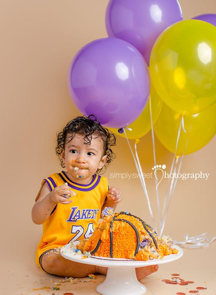 Lakers Basketball cake smash session