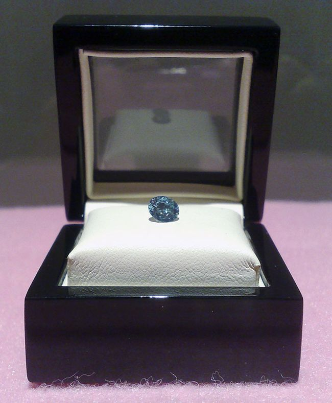 A completed diamond. Turning someone's ashes into a diamond! This process is about $4,500 (USD) Read article...