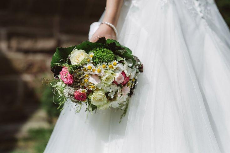 Pin Von Katja Stolz Auf Brautkleid Hochzeit Blumenmadchen Kleid Braut