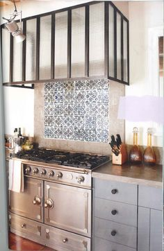 7 best hotte verre style atelier images on pinterest kitchens cooking food and beautiful kitchen. Black Bedroom Furniture Sets. Home Design Ideas