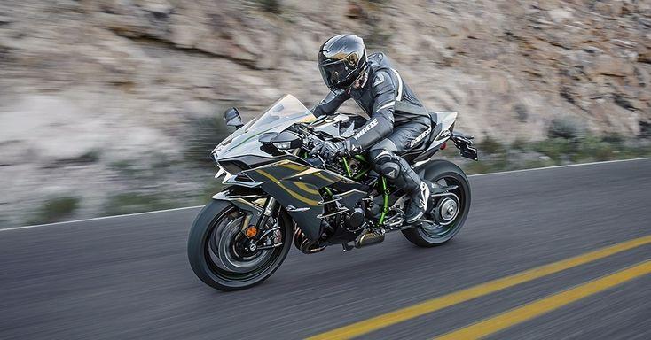 Com apenas 28 unidades importadas para o Brasil, por R$ 120 mil cada, a Ninja H2 é uma moto para poucos