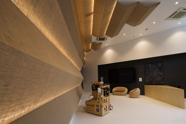"Red Bull Music Academy, Tokyo 2014 Shibuya-ku, Tokyo, Japan 2014.10 Educational facility for Music 1,400 m2 Red Bull runs a ""mobile"" Music Academy that travels around the world. We designed the interior for their Tokyo version of the project. The idea is contrasting to that of a conventional school in a fixed location. We expressed the students' liberal atmosphere by using old material, fabric (jute), pallet for forklift, which all feel friendly and street-wise. For spacing also, we removed…"