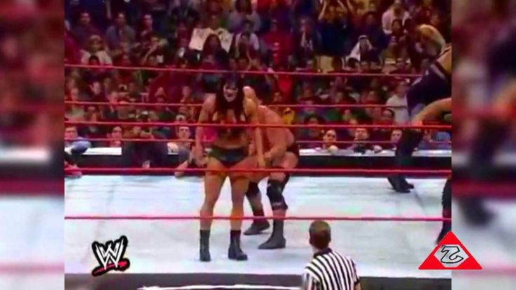Stone Cold Steve Austin eliminates 8 people in the 1999 Royal Rumble