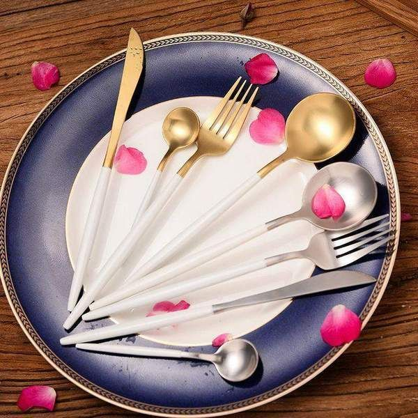 Roly Poly Cutlery Set | Stainless Steel Silverware. Successfully managing to balance style and comfort, these round shaped silverware sets gives a fresh and modern look. It's unique shape made of durable stainless steel gives a refreshing decoration to any dining tables.