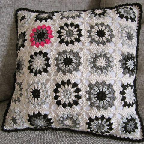 tutorial for this motif cushion