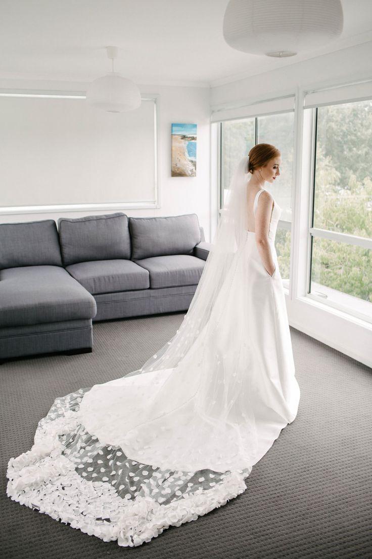 Best 541 Of Veils & Hairpieces ideas on Pinterest | Wedding veils ...