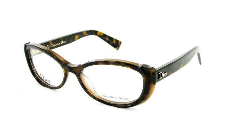 GAFAS GRADUADAS DIOR CD 3245 T6S 53/16 Mujer Ecaille Ovalado circular Moderno 53mmx16mm 198€. Gafas graduadas DIOR CD 3245 T6S La montura de las gafas graduadas DIOR CD 3245 T6S están disponibles en diferentes tamaños, estas son gafas DIOR talle 53.Disfruta de estas gafas de montura ovalada y color atigragrado.Detrás de las gafas graduadas DIOR CD 3245 T6S tu mirada será distinta.