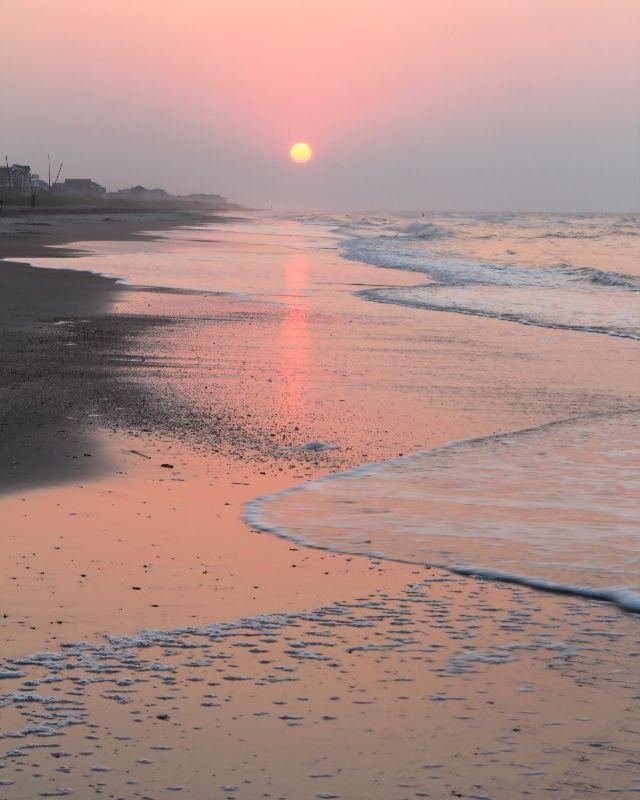 Beach sunrise | by Lynn Whitt