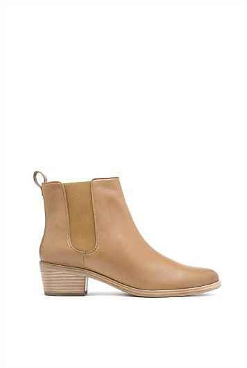 ISADORRA CHELSEA BOOT @ Country Road. The missing piece in my shoe wardrobe.