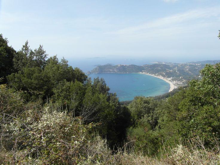 uitzicht op een van de mooie baaien van Corfu