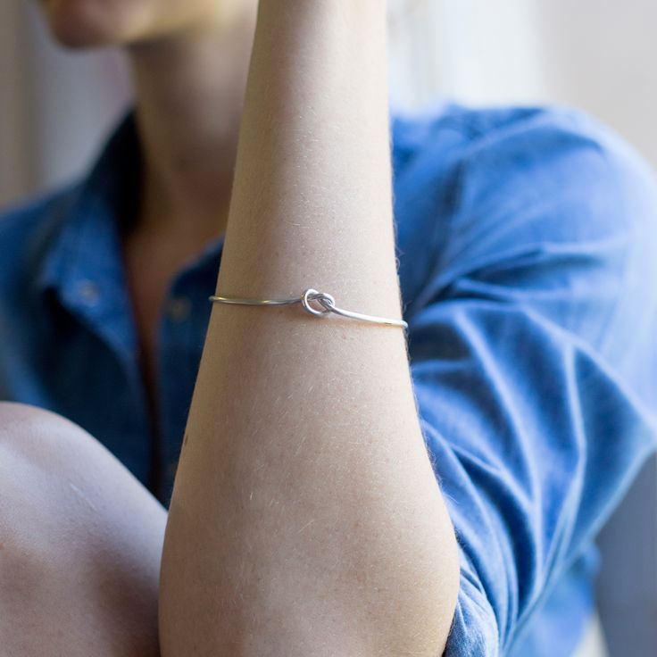 Sterling silver knot bangle | Bridesmaid gifts |