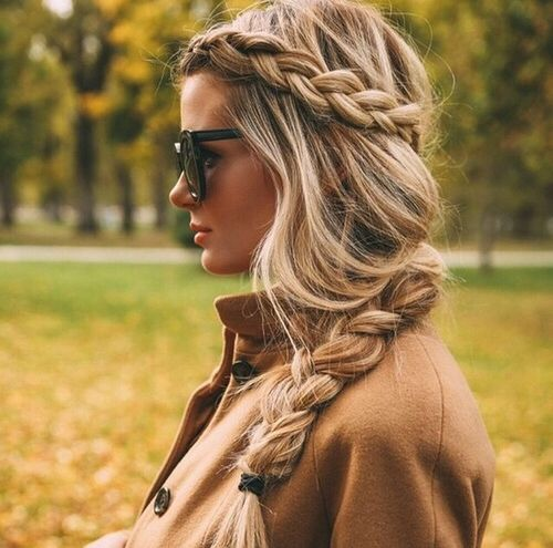 10 Essentials of the Sorority Girl Wardrobe