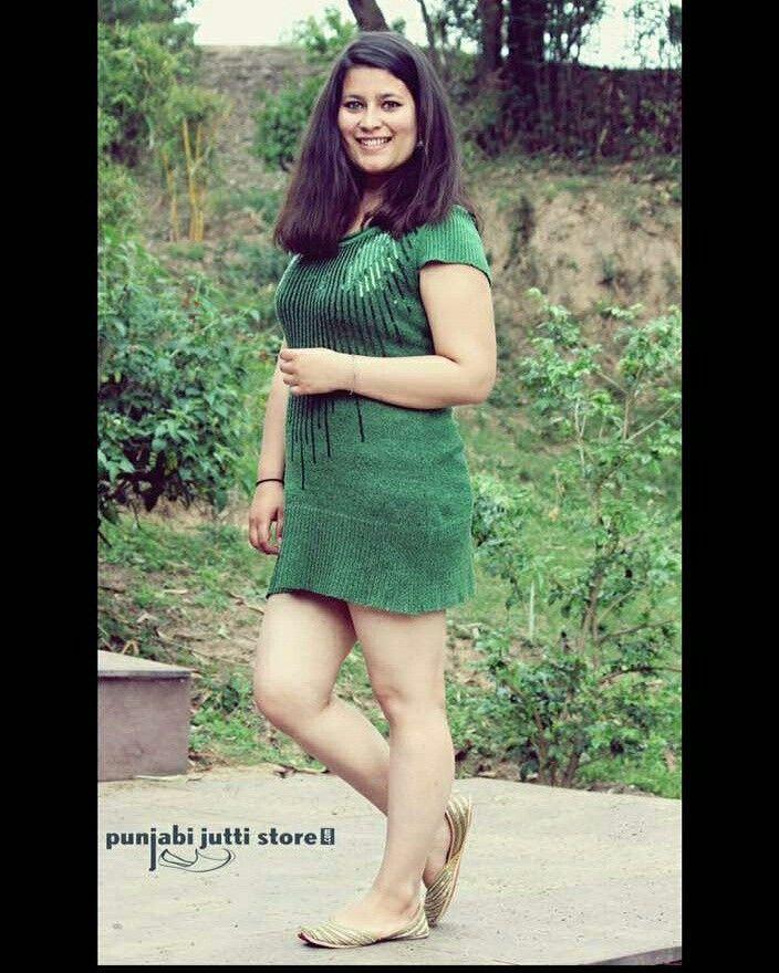Buy amazing designs of punjabi jutti only at www.punjabijuttistore.com   #punjabijuttistore #punjabijutti #womenpunjabijutti #menpunjabijutti #ladiespunjabijutti #mojari #brideswear